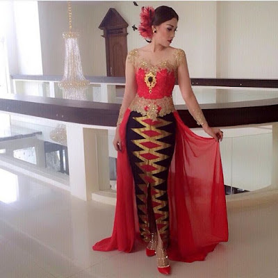 model kebaya modern terbaru dengan broklat lengan panjang rok batik panjang motif rangrang