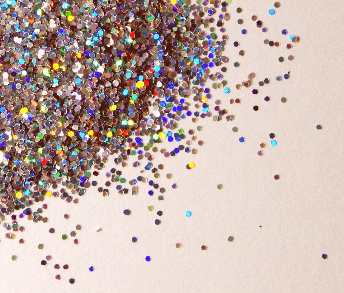 http://1.bp.blogspot.com/-G6Zi0-HdDuk/TyfDHt1QGkI/AAAAAAAAAZc/_RvaVbgZ9gM/s1600/Glitter_close_up.jpg