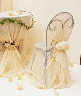 Decorated wedding chairs ties 2 for Mesas decoradas para bodas