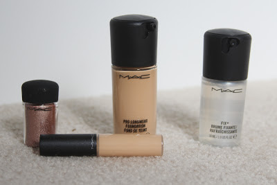 MAC Prolongwear foundation pigment in tan Fix+ concealer