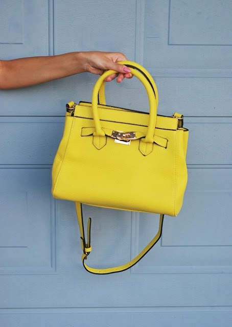 http://www.shein.com/Neon-Yellow-Metal-Buckle-Bag-With-Wallet-p-214020-cat-1764.html?utm_source=pomaranczowa-pomarancz.blogspot.jp&utm_medium=blogger&url_from=pomaranczowa-pomarancz.blogspot.jp