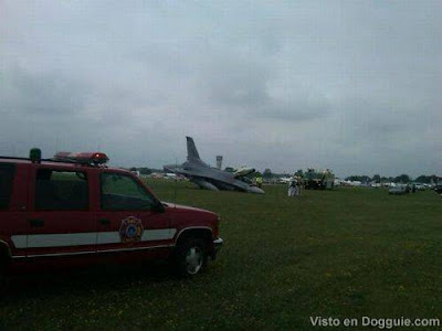 F-16 Crash Landing pictures