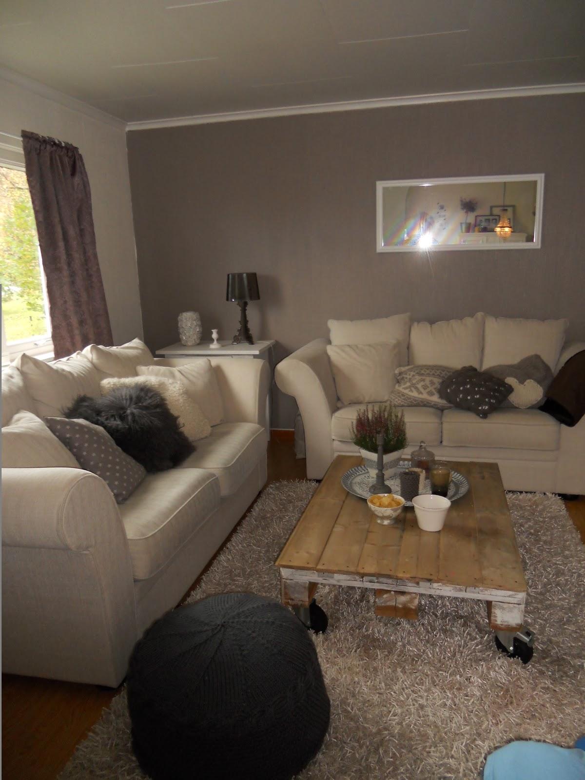 Camillas romantiske hjem : nye gardiner i stue 1, og kaos i stue 2
