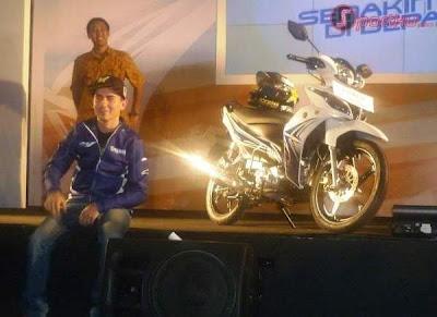 Jorge Lorenzo dengan New Jupiter Z White Motor Yamaha Baru