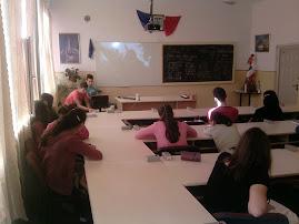 Aspect din vizionarea filmului Holocaustul uitat - Liceul Teoretic Roznov (2.10.2012)...