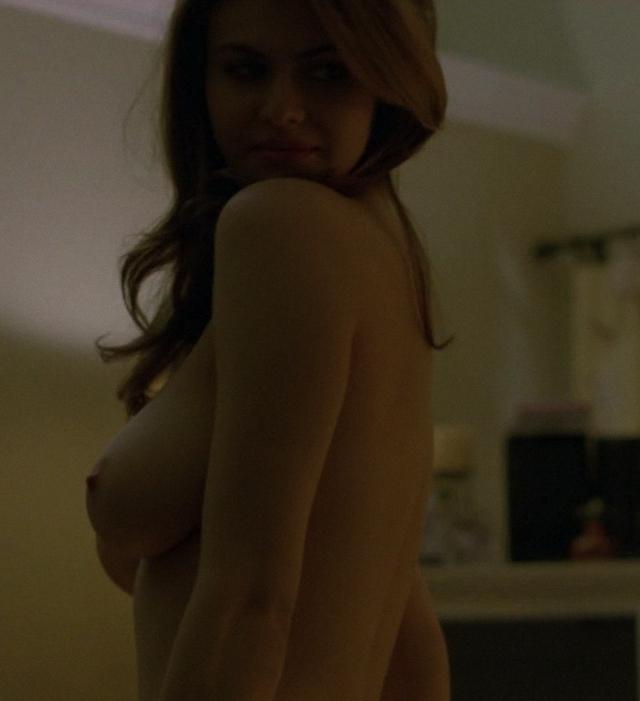 Alexandra Daddario en topless