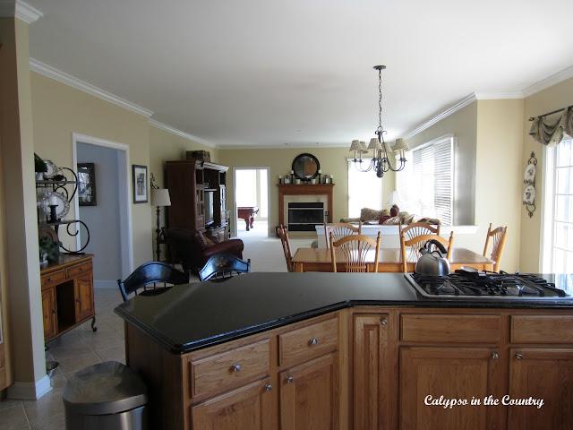 Oak Kitchen with Uba Tuba Granite Peninsula