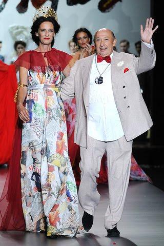 Francis Montesinos con su una de sus Musas Paola Dominguin