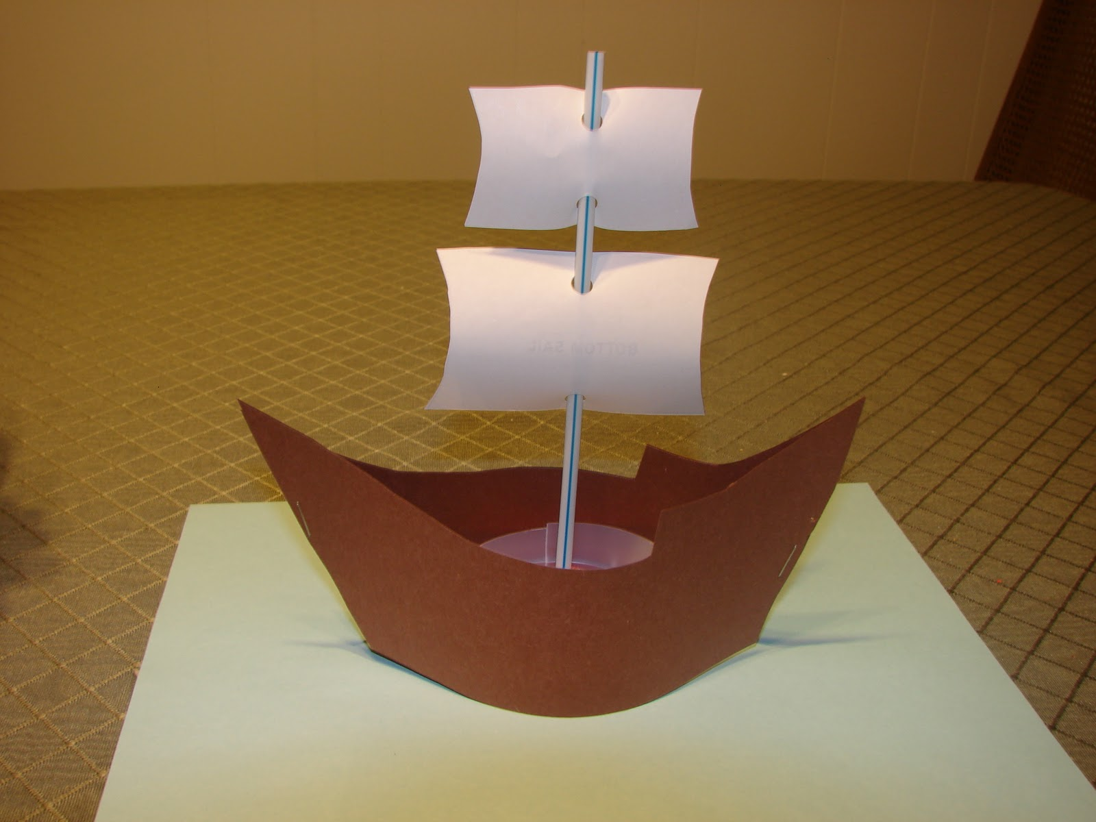 how to make a boat out of construction paper