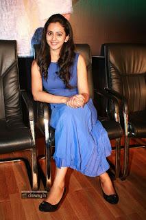 Rakul-Preet-Singh-Stills-at-Ennamo-Edho-Movie-Press-Meet