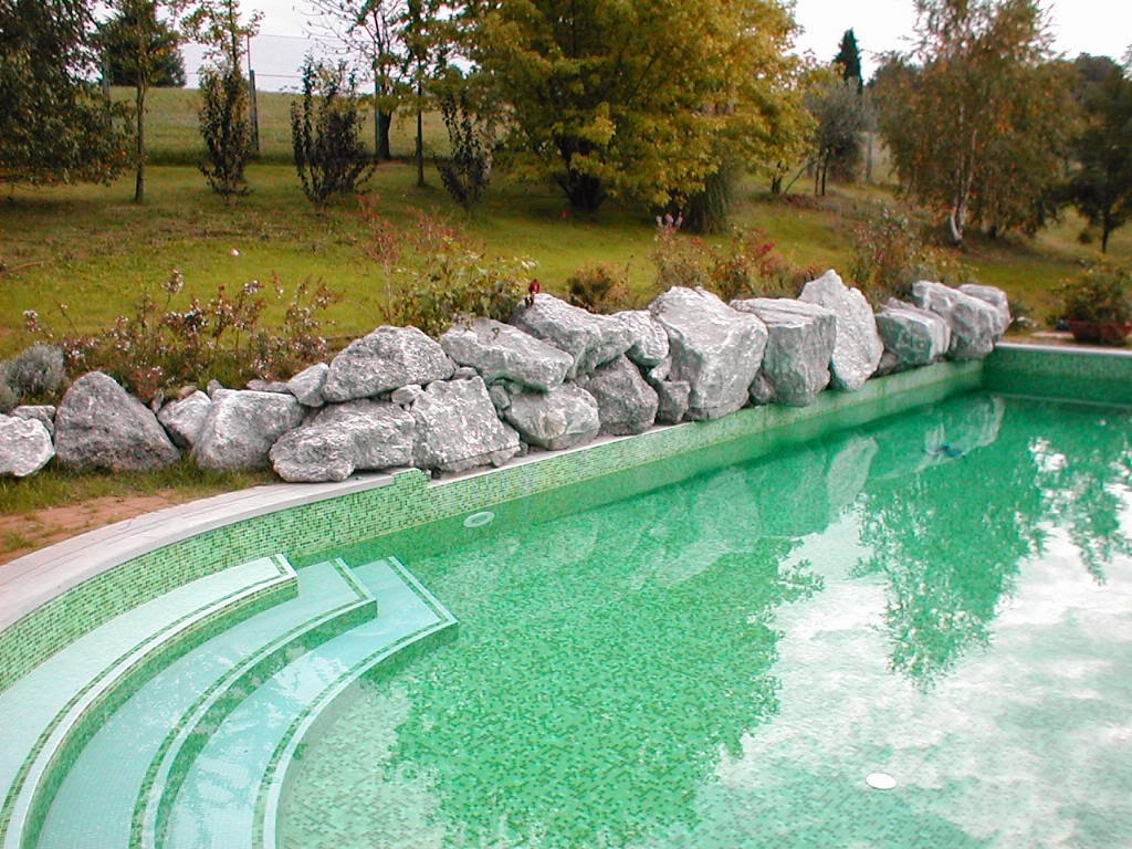 Piscine interrate vetroresina prezzi for Quanto costa costruire una piscina