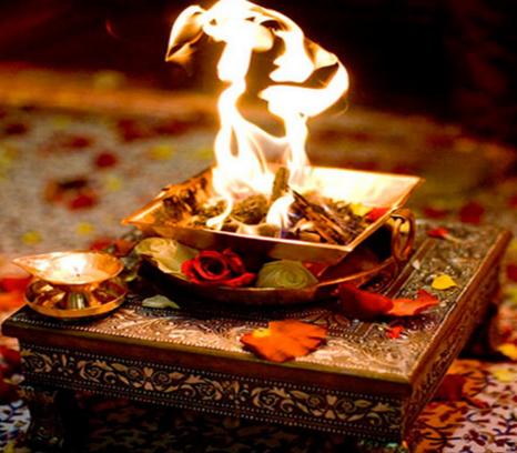 Kis Bhagwan ya Dev ki Pooja Karen