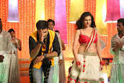 Hamsha Nandini Item Song in Loukyam-thumbnail-20