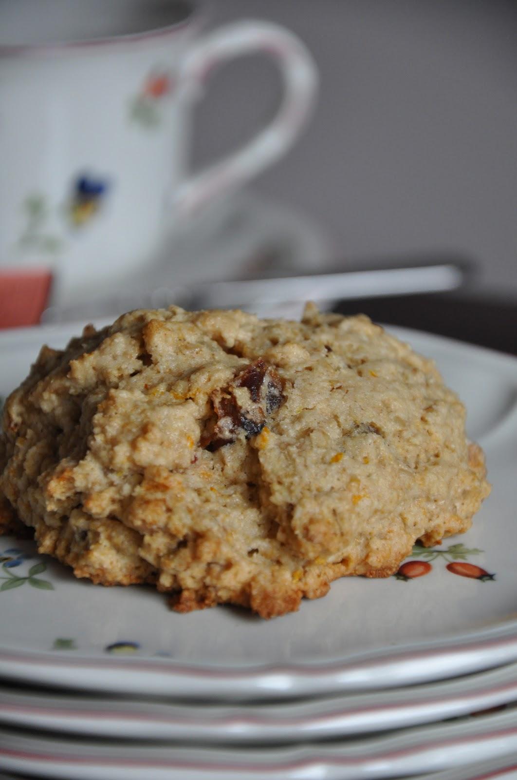 recipe: oatmeal date walnut cookies [21]