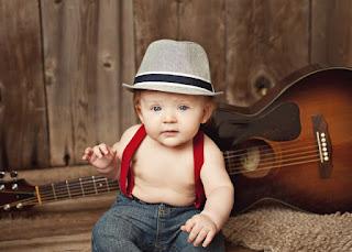 Gambar wallpaper bayi lucu dan gitar