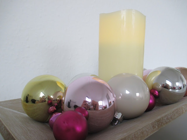 [Little Blogger's Christmas] Weihnachtsdekoration Blogger Bloggen Blogging Pink Room PinkRooms German germanblog Christmas Weihnachtsdeko Weihnachten Weihnachtlich Tannenbaum Gold Rot Silber Fest festlich Interior