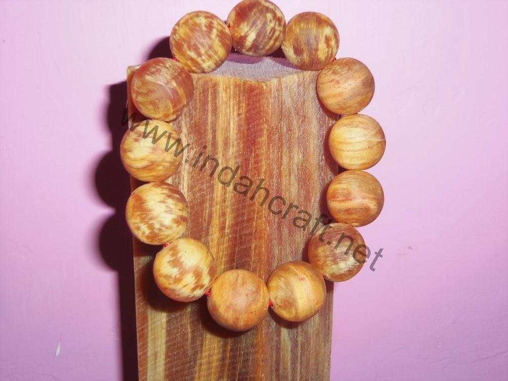 Gelang Kayu Pinus Full Getah 18mm