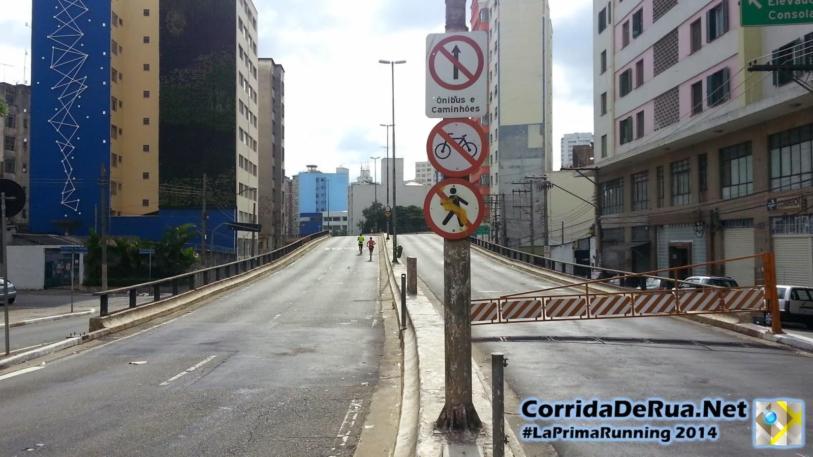 Corredores de rua no Elevado Costa e Silva (Minhocão) - Corrida De Rua