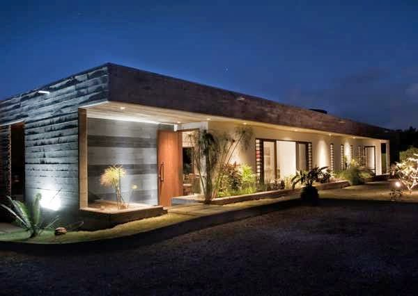 Simple horizontal and rectangular concrete house design for Horizontal house plans