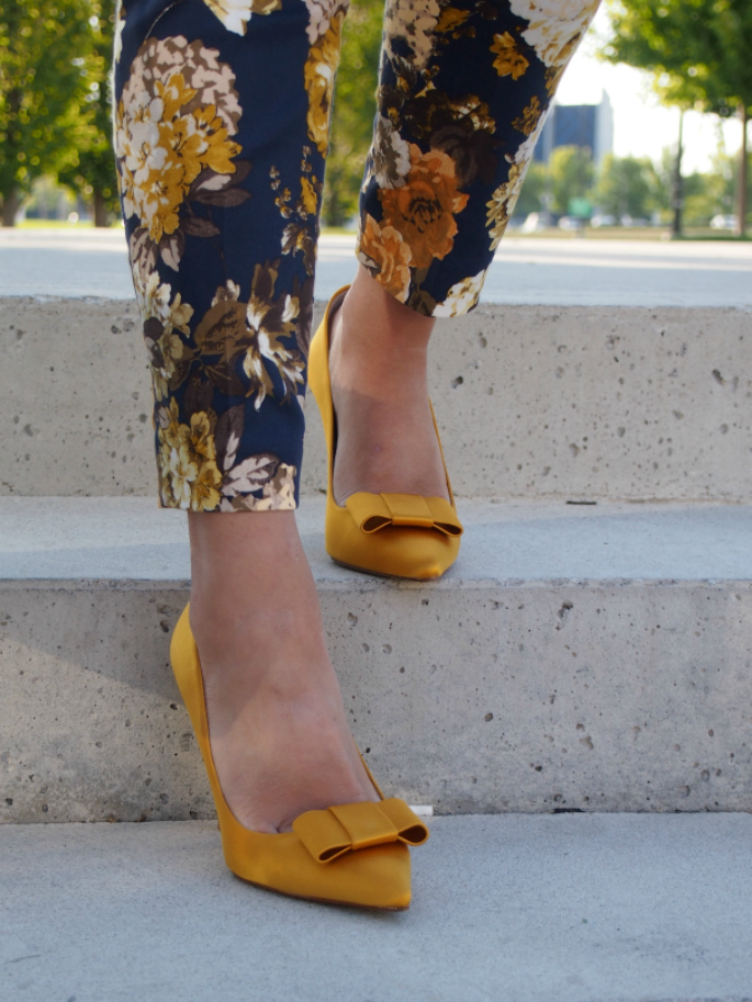 Yellow Bow Pumps ~ Suburban Faux-Pas