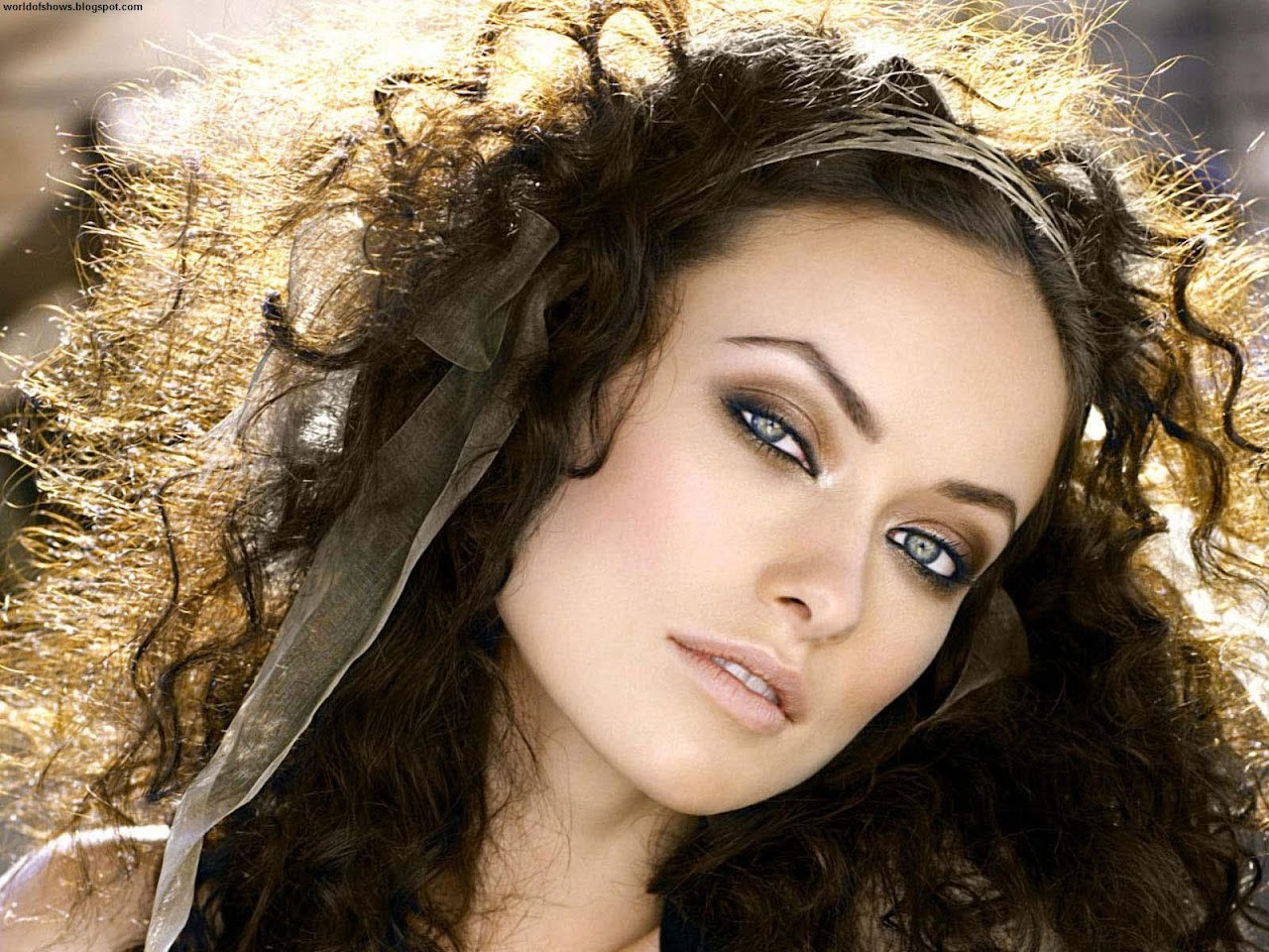 http://1.bp.blogspot.com/-GAGuSZph_Vo/UB7eS7NyJtI/AAAAAAAAHQg/04eiDQXRBRc/s1600/Olivia_Wilde_Scattered_Hair_Beautiful_Eyes_Sexy_American_Actress_And_Fashion_Model_Hd_Desktop_Wallpaper_citiesandteams.blogspot.com.jpg