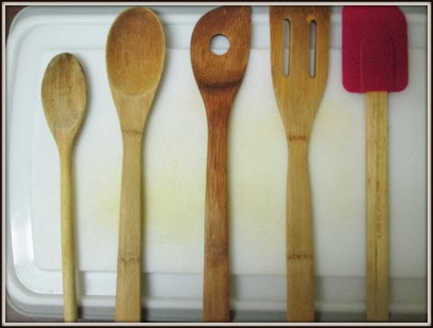 unseasoned wooden spoons