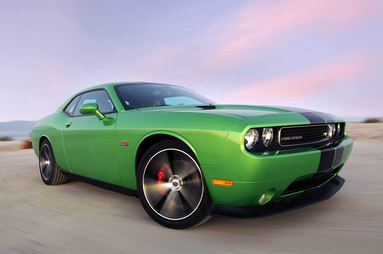 2011 dodge challenger srt8 392 full detail review auto. Black Bedroom Furniture Sets. Home Design Ideas