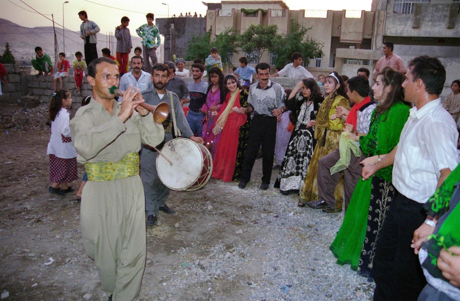 http://1.bp.blogspot.com/-GAgCwRLkaz4/TtAF1I52aUI/AAAAAAAABRM/dVW5ym_mJ6U/s1600/Iraq+1998+Roll+Z+12.JPG