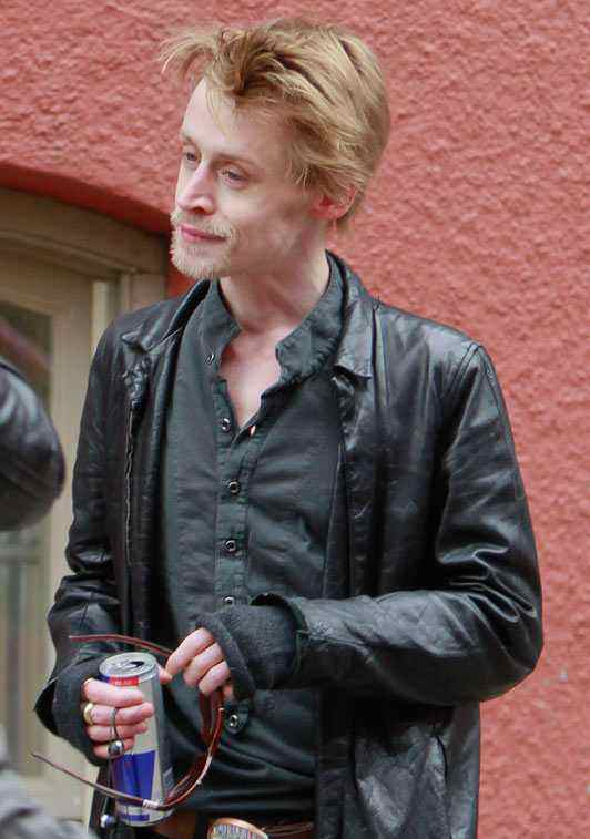 macaulay culkin photos 2012