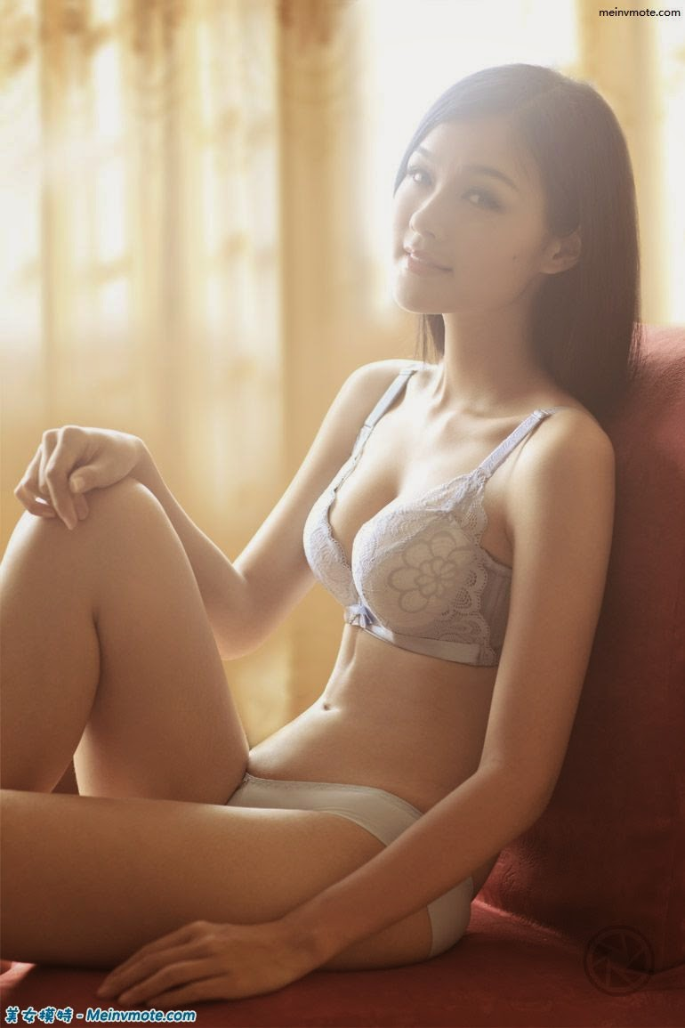 Fragrant underwear model Huanen Jiaoqu
