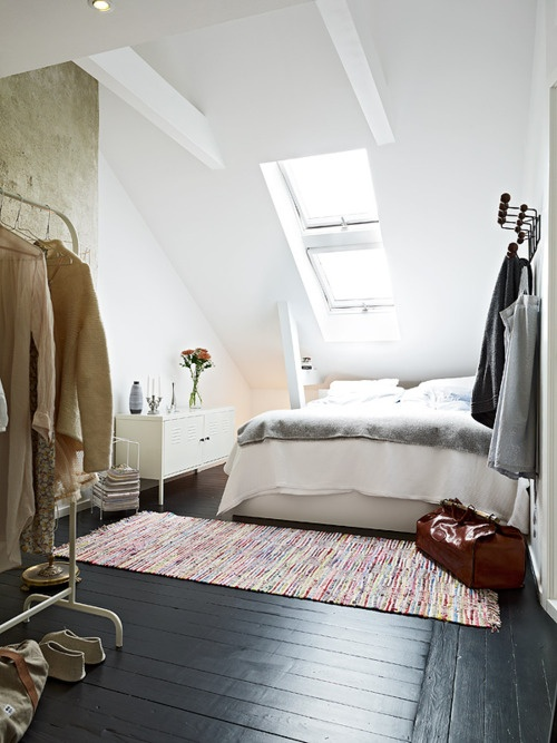 Mag interiors attic bedroom for Cool attic room ideas