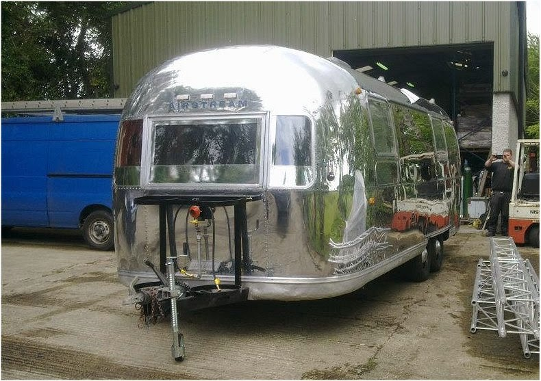 Beautiful Reconditioned Vintage AirStream Food Trailer For Sale Or Rent
