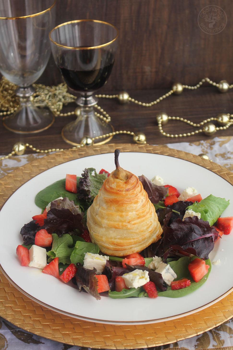 Cocinando entre olivos ensalada de pera en hojaldre con for Cocinando entre olivos navidad