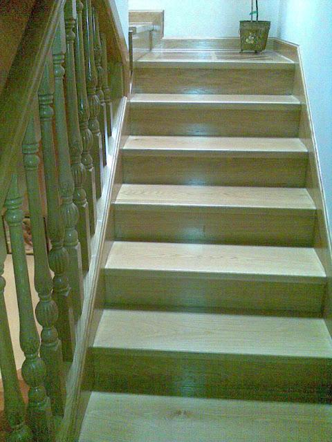Escaleras y barandillas de madera en Ávila