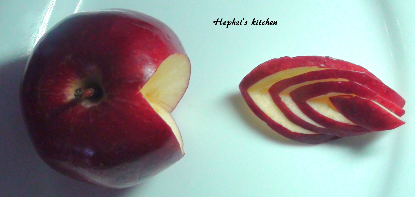 From my kitchen....: Apple carving !