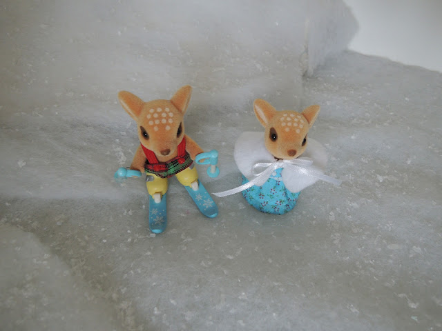 Sylvanian Families Willow Hall Moss Reindeer Skis skiing snow winter christmas
