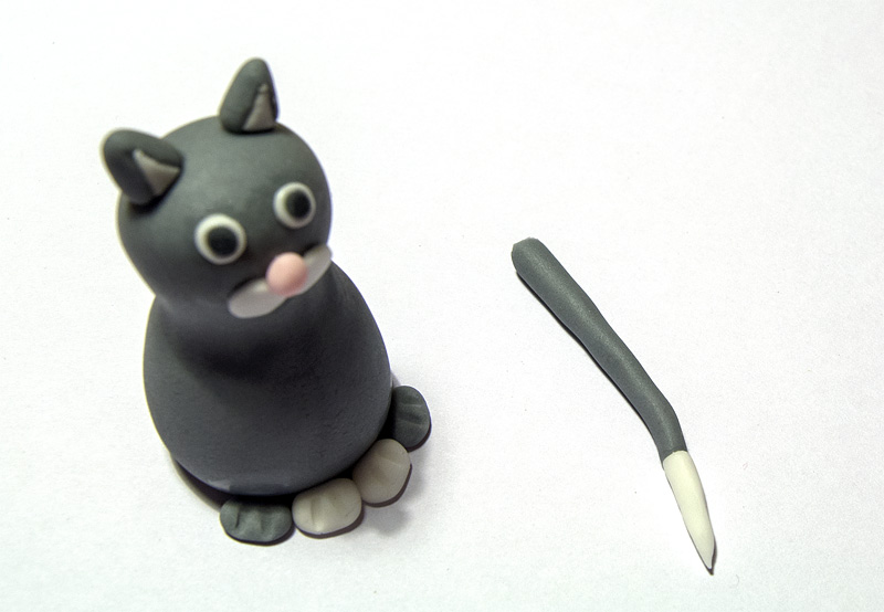 Cat fondant figure tail