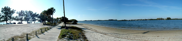Islotes entre Palma Sola y Perico Island
