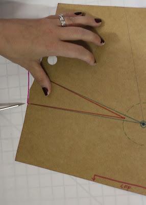 Julia Bobbin - Tutorial: How to move darts - Bodice front