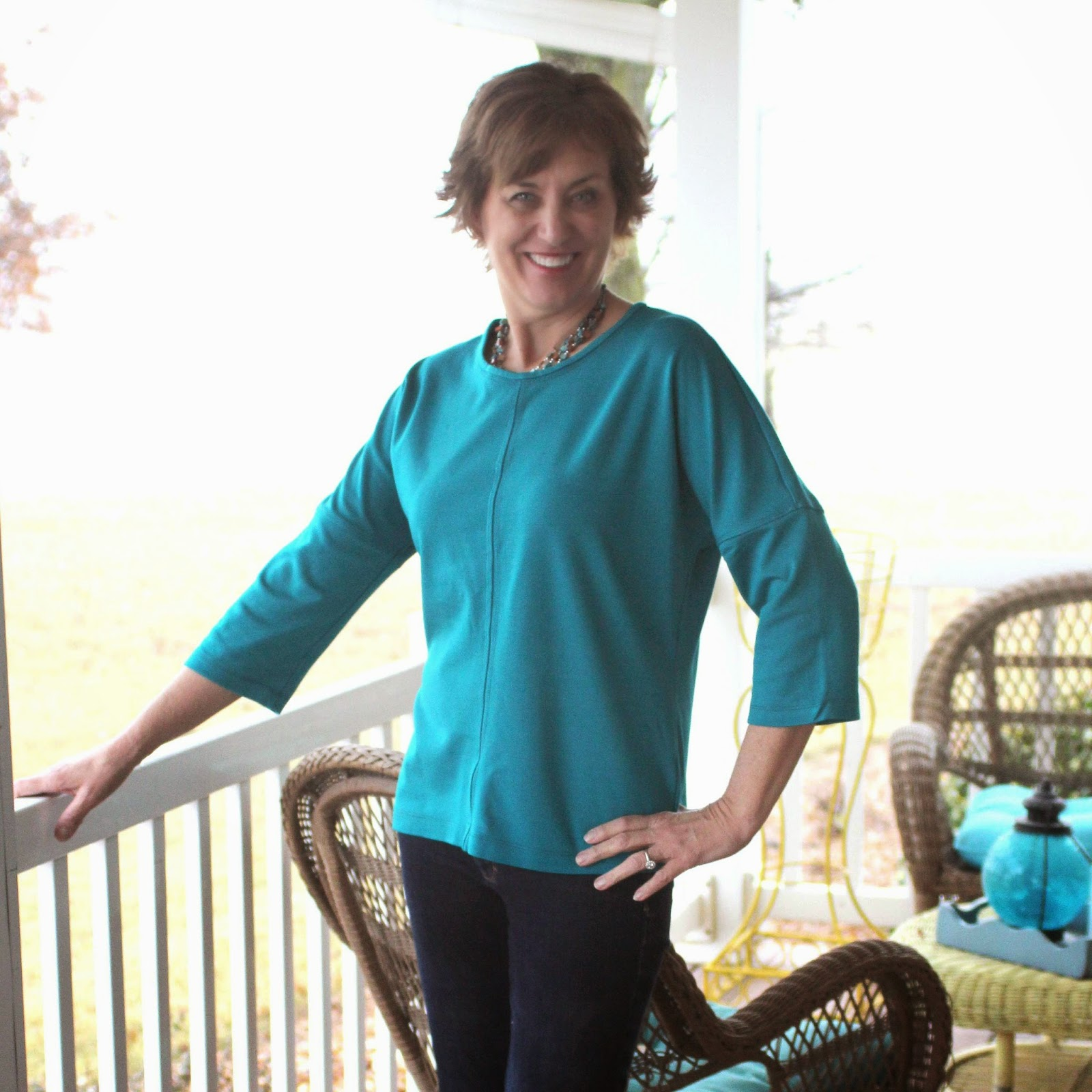 Vogue 8840 top using Ponte knit and topstitching
