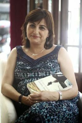 escritora Carmen Amoraga