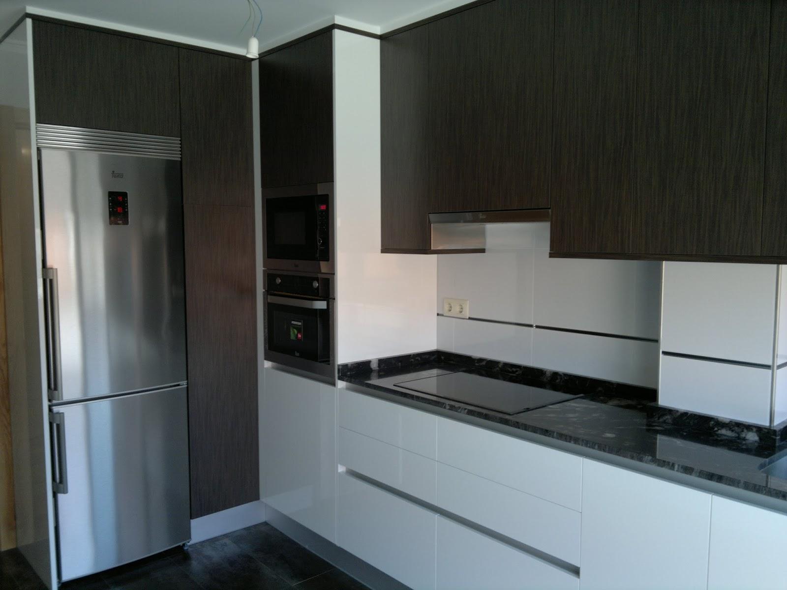 Trabajos realizados por carpinter a pexeiros cocina en - Formica para cocinas ...