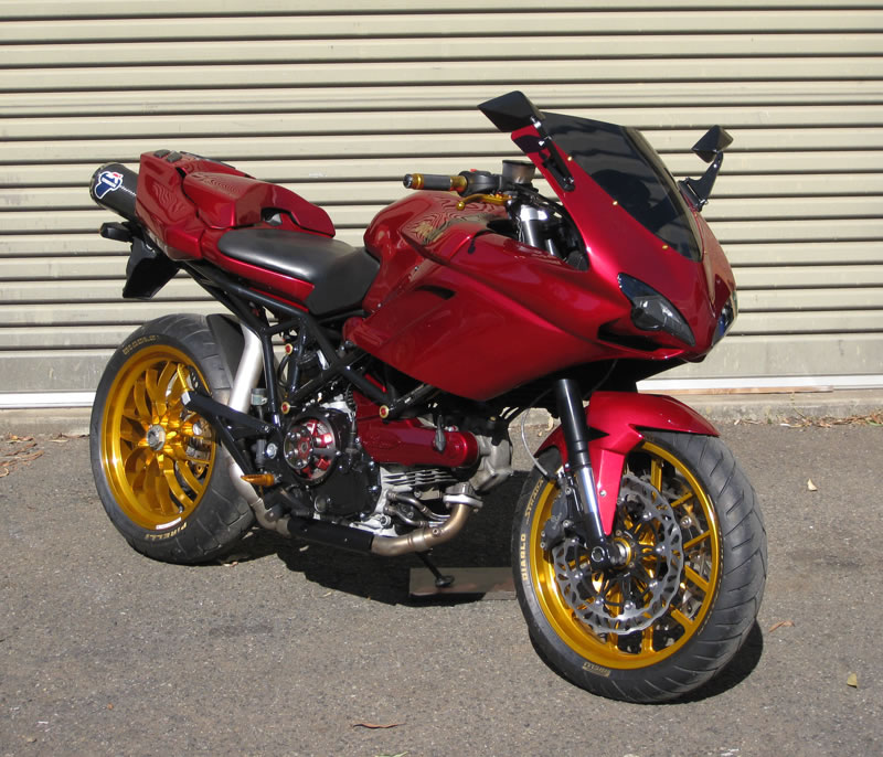 racing caf ducati multistrada by extreme creations. Black Bedroom Furniture Sets. Home Design Ideas