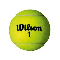 op een tennisbal liggen voor de rugoefeningen