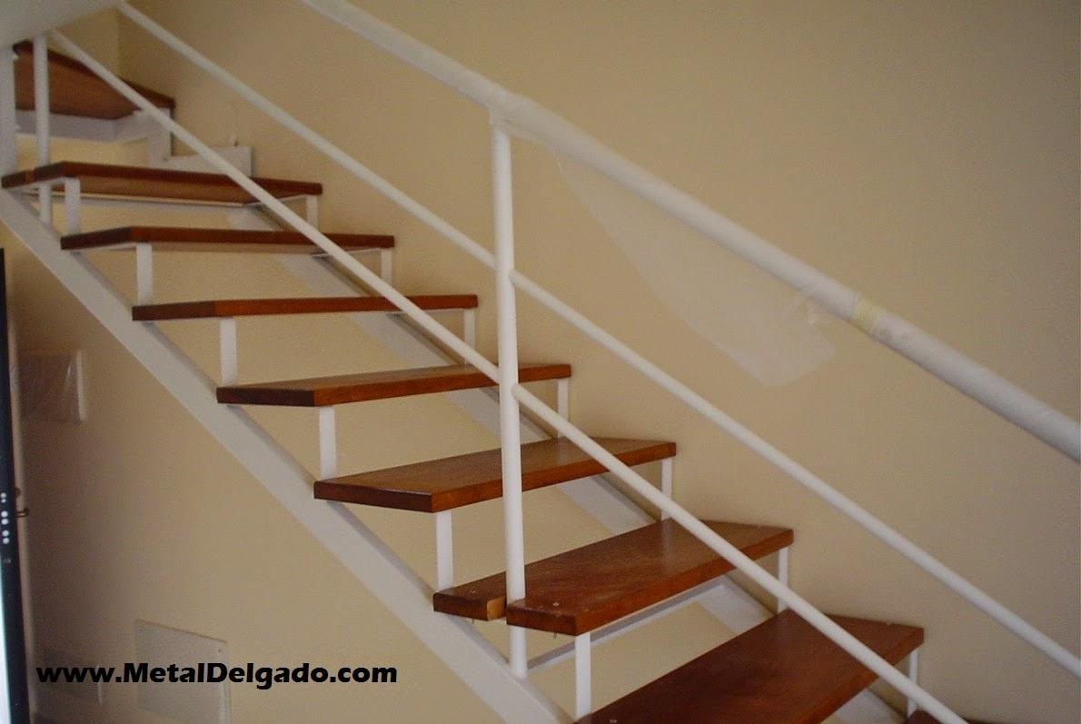 Acero inoxidable tenerife escaleras met licas de interior for Escaleras metalicas en u
