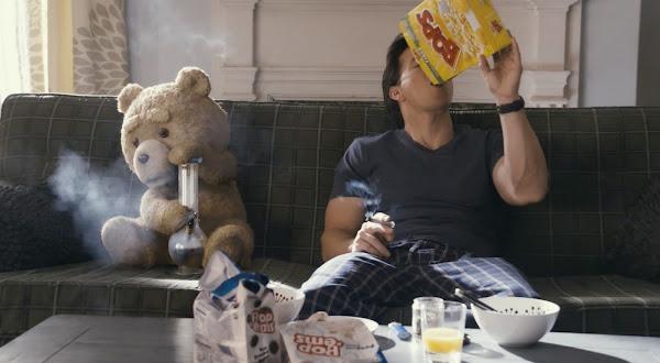 Ted, con Mark Wahlberg y Mila Kunis