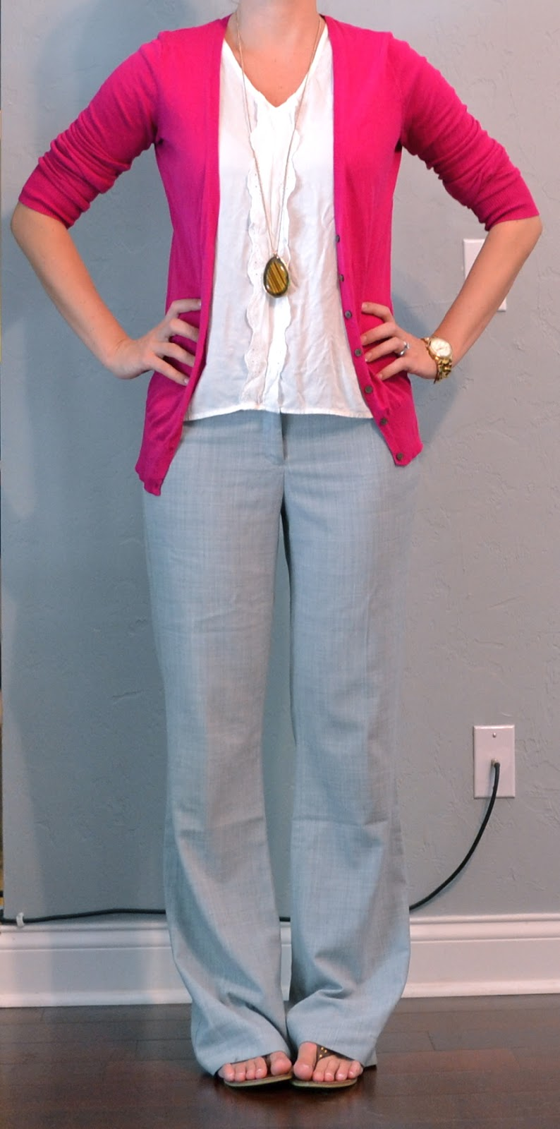 Original Work Outfits Colored Blazer Grey Pants Chain Necklace  Spring