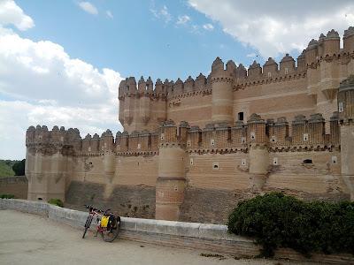 castillo-de-coca-camino-de-santiago-de-madrid-rutas-mtb