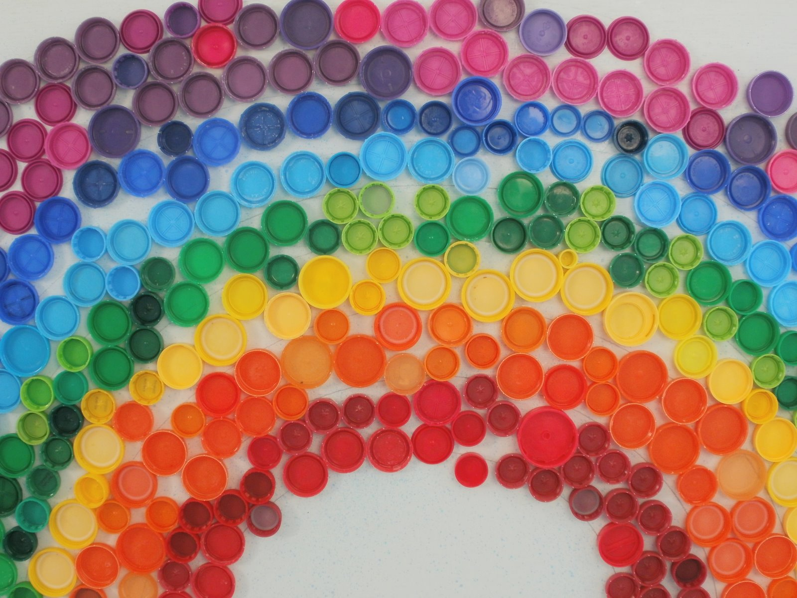 Mollie 39 s mom somewhere over the rainbow for Bottle cap art how to