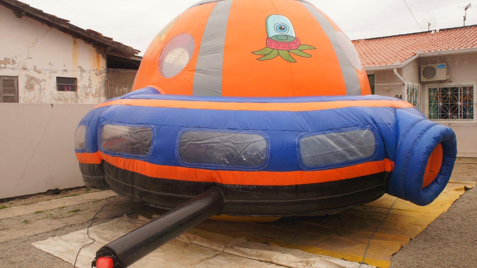 Disco voador inflável